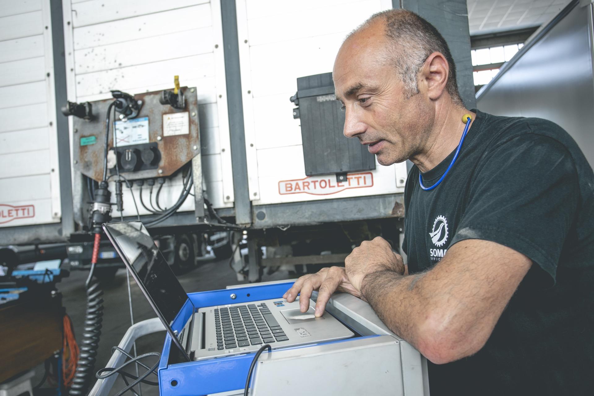 Soma Officina Cesena revisione autocarri attrezzature certificate
